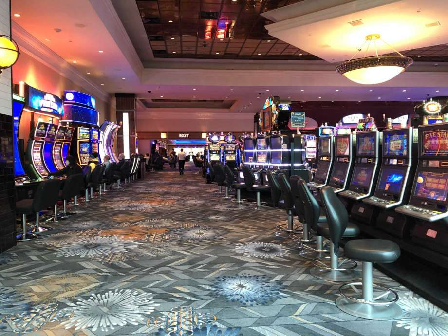 The Easy Gambling That Wins Clients